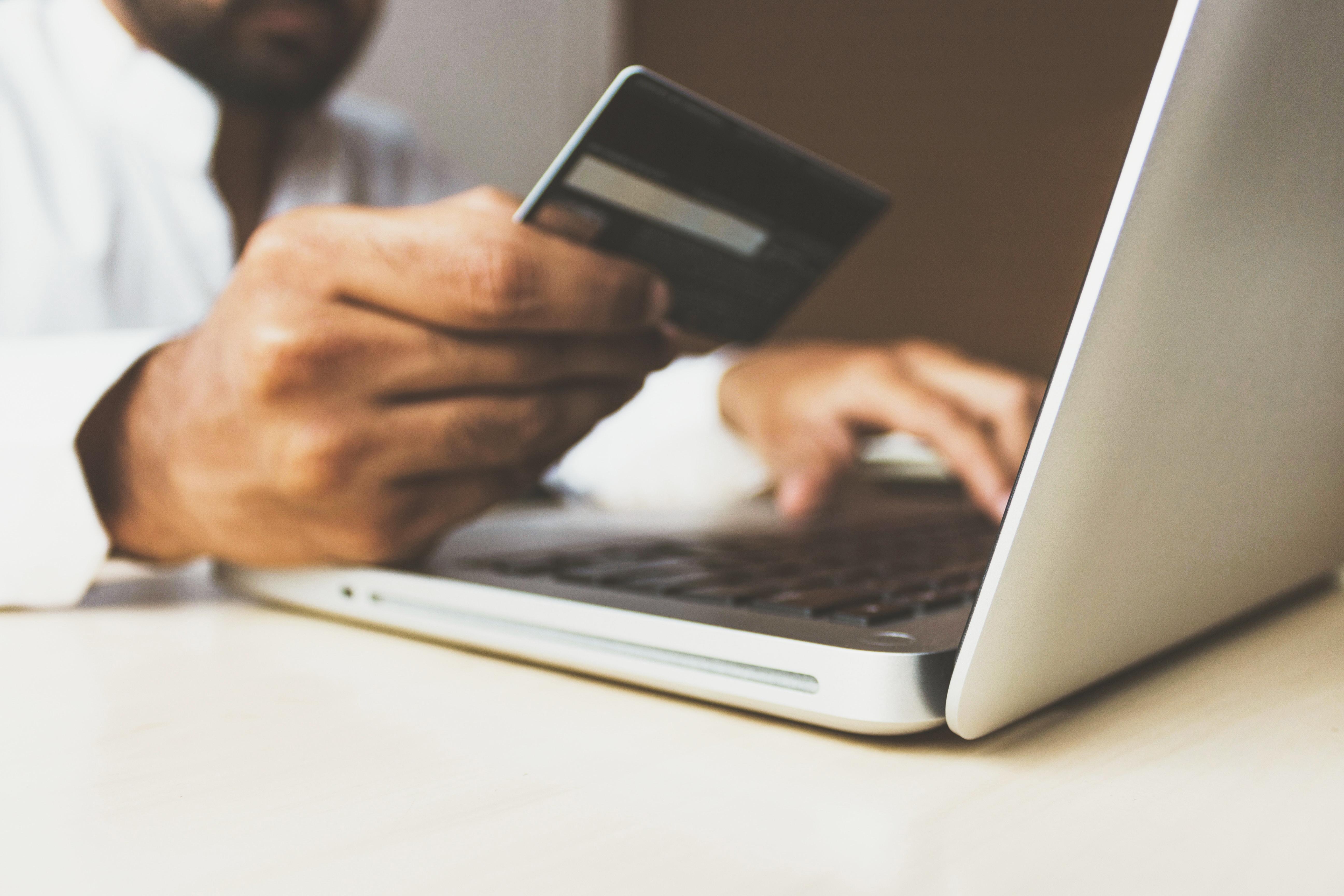7 belangrijke stappen bij het kiezen van een e-commerce platform